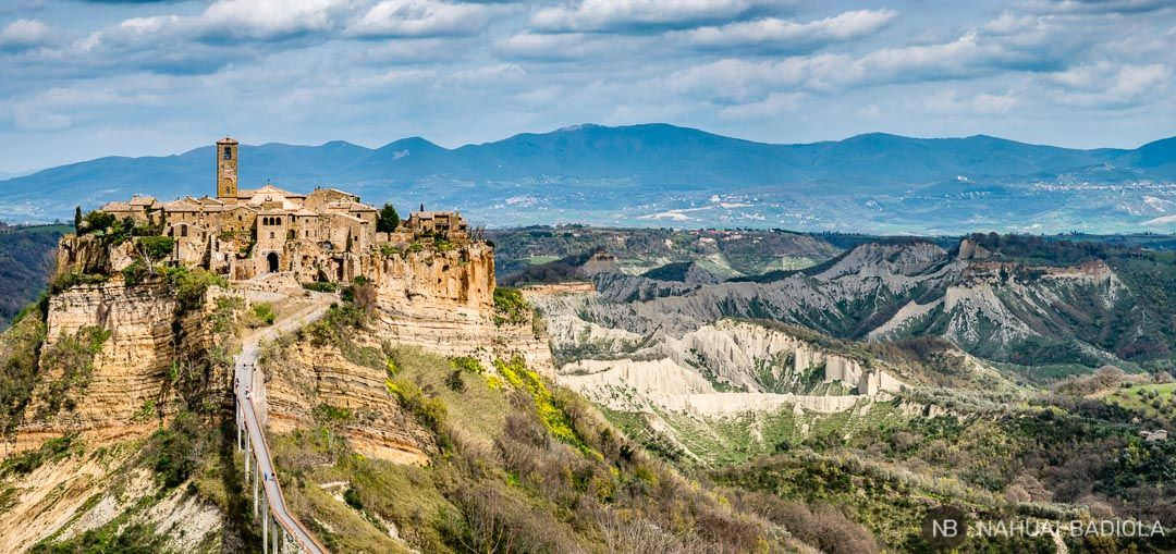 Vistas de la Civita de Bagnoregio desde el mirador. Italia.