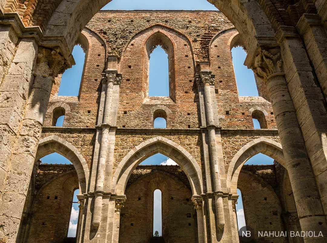 Detalle interior de la abadía de San Galgano, Toscana