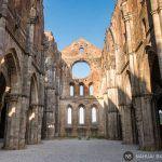 La abadía de San Galgano: leyendas medievales en el corazón de la Toscana