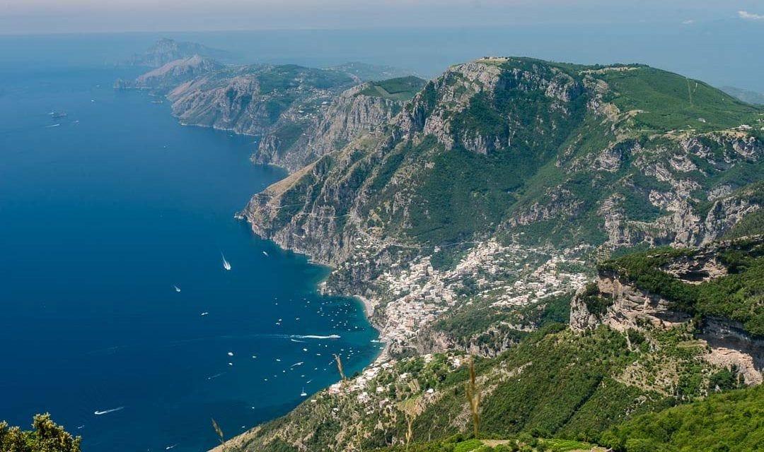 Vista de la Costa Amalfitana desde el monte Tre Calli.