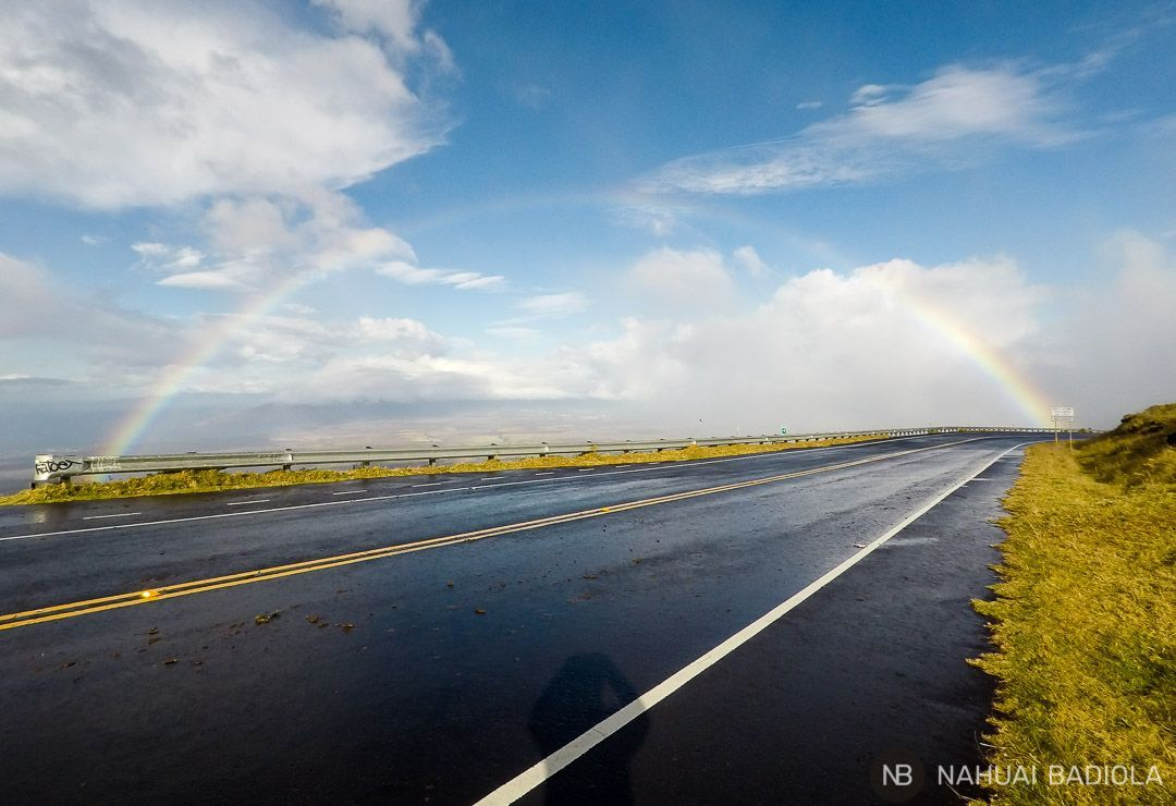 Un arcoiris completo al descender del summit del Haleakala. Maui, Hawaii.