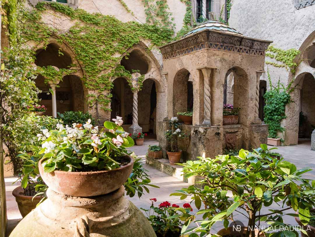 El precioso claustro de la Villa Cimbrone, en Ravello, Costa Amalfitana.