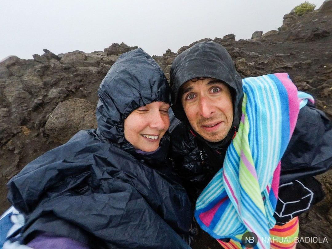 La cara que se nos quedó tras nuestro primer intento fallido de ver el amanecer desde Haleakala.