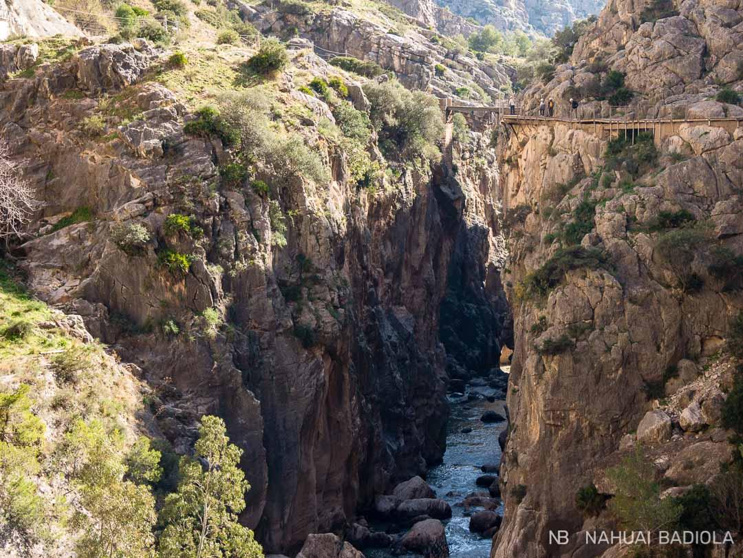 Vista de la pasarela del Camininito del Rey desde lejos.