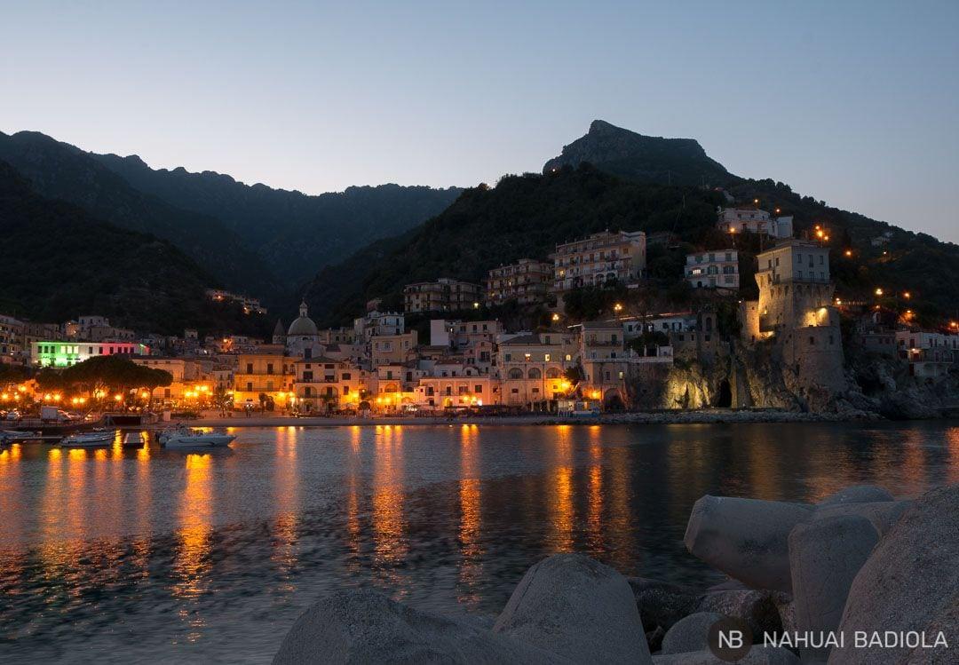 Puerto de Cetara al caer la noche, Costa Amalfitana