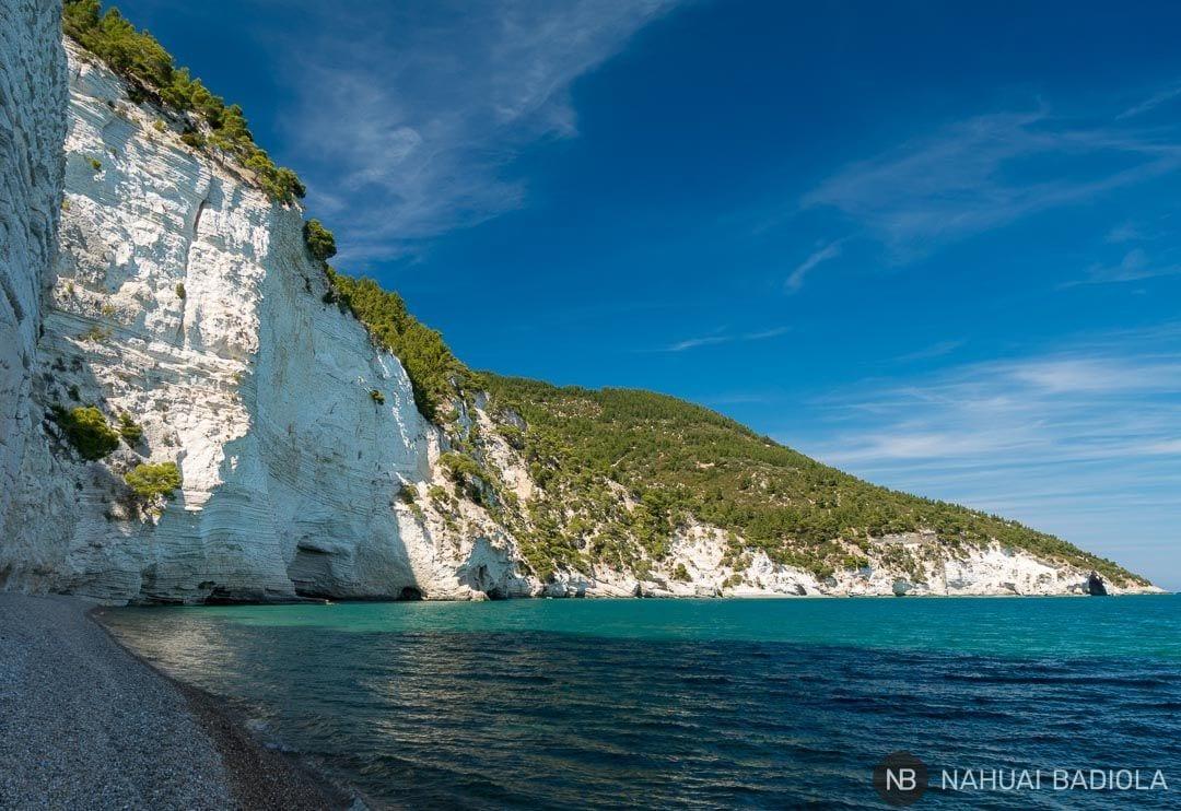 El acantilado de la playa Vignanotica, en Puglia, Italia.