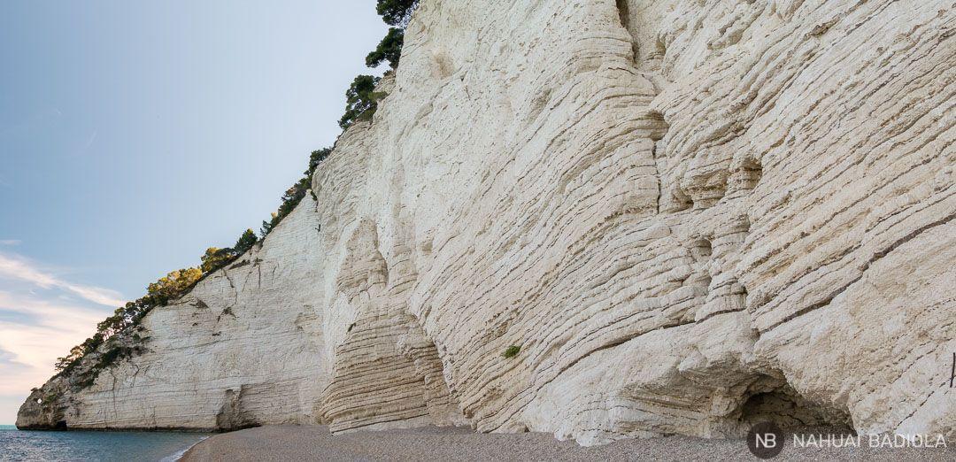 Panorámica de la playa vignanotica, en el parque de Gargano, Puglia.