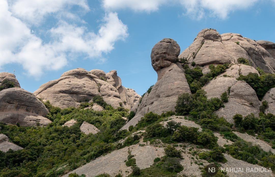 Agujas de Montserrat de camino a Sant Jeroni.