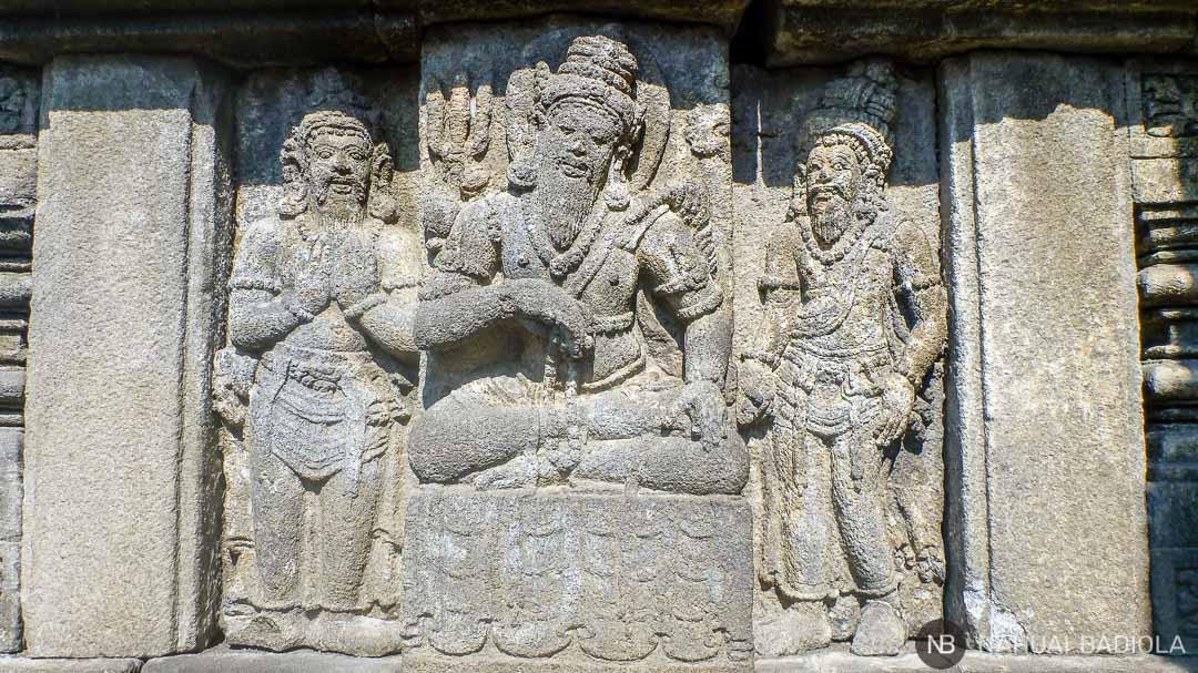 Detalle de roca tallada en los templos de Prambanan, Java.