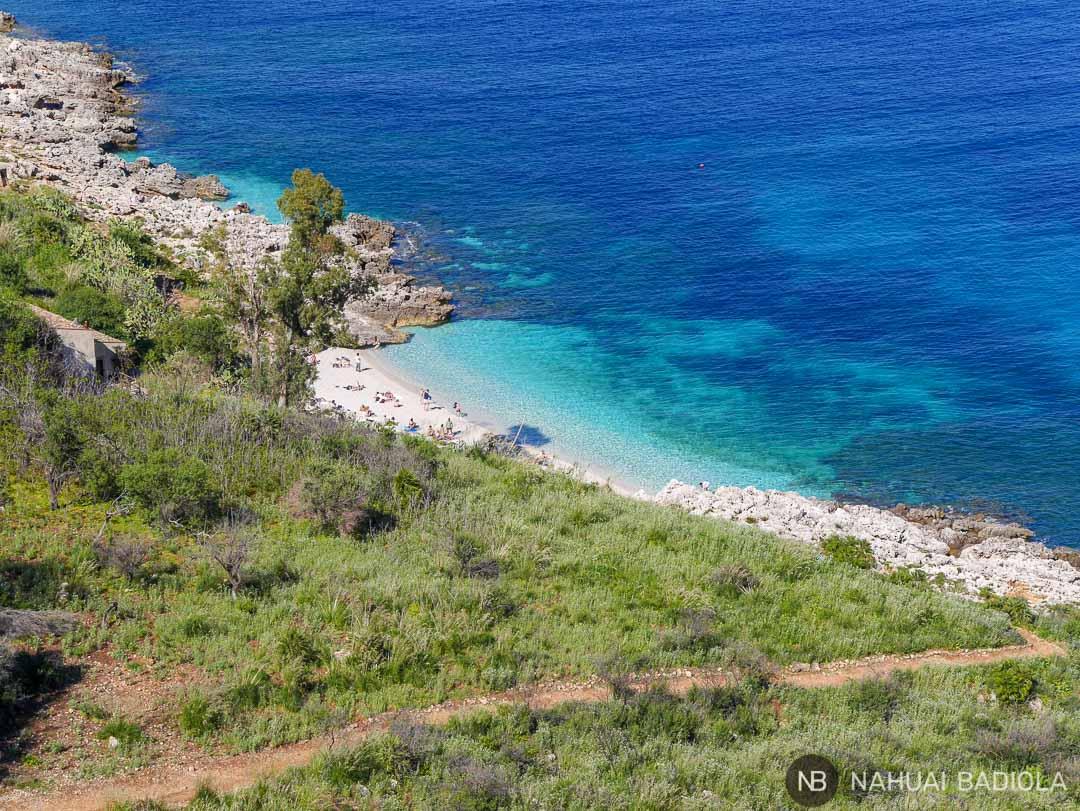 Vistas cala Uzzo en reserva del Zíngaro, Sicilia.