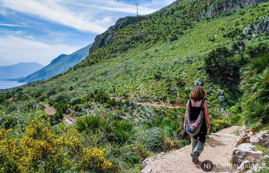 Camino de costa fácil por la reserva del Zíngaro, Sicilia.