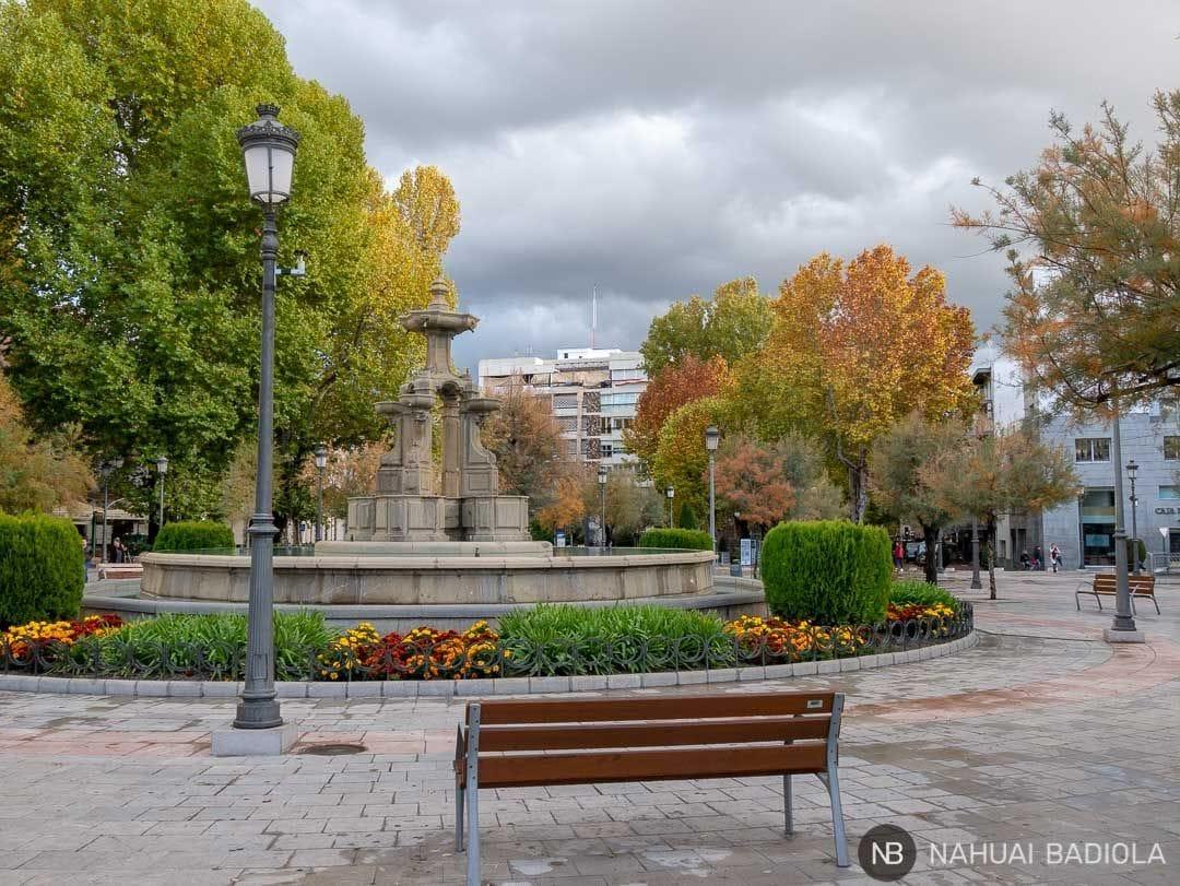 Fuente de las Batallas apagada, Granada.