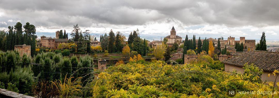 Panorámica de la Alhambra desde los jardines del Generalife