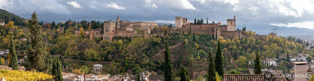 Vistas panorámicas de la Alhambra desde el mirador de San Nicolás, en el Albaicín.