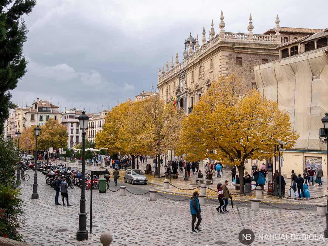 Plaza Nueva y la Real Cancillería en Granada.