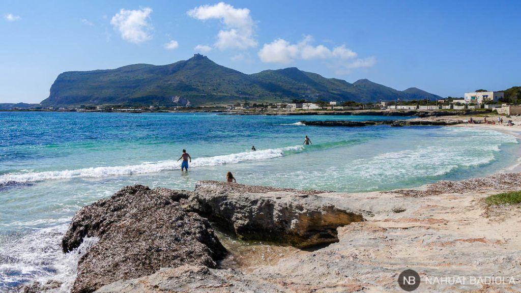 Playa de arena junto a Punta Burrone, Favignana.