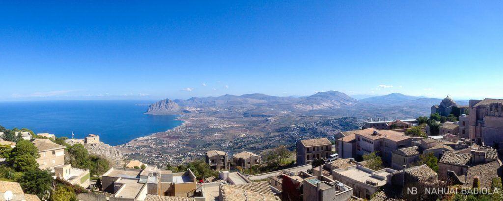 Vistas del monte Cofano desde Erice, Sicilia.