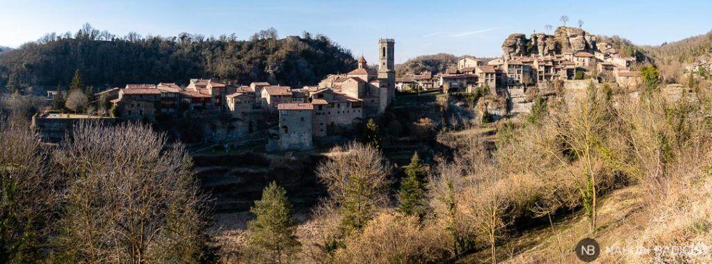 Vista del pueblo de Rupit desde la iglesia de la Magdalena.