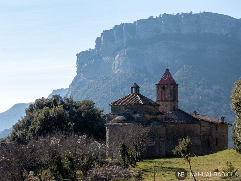 Vistas de Sant Joan de Fábregas en la ruta al Salt del Sallent.