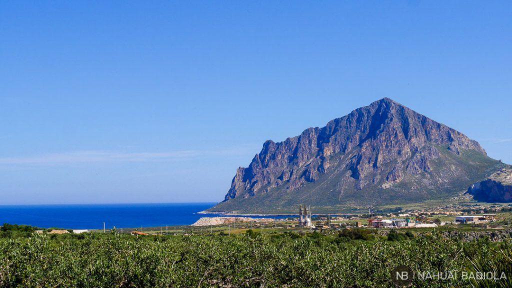Vista del monte Cofano conforme te aproximas