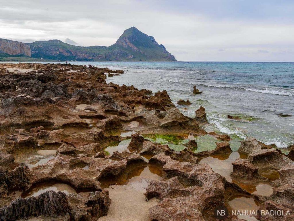 Monte Cofano desde Macari, Sicilia.