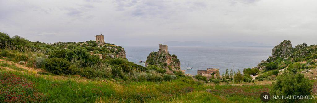 Panorámica de la Tonnara di Scopello desde la carretera, Sicilia.