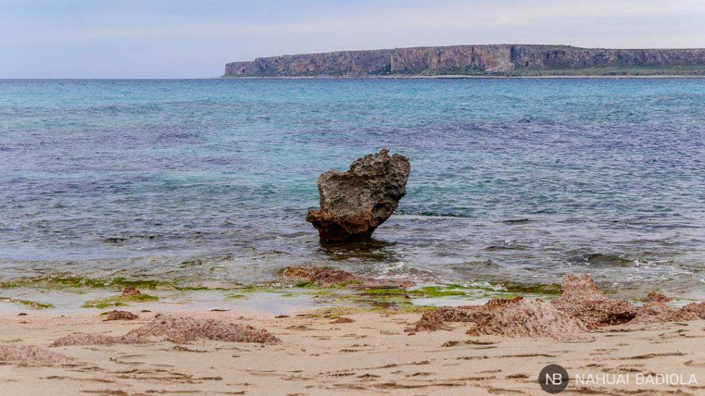 Playa rocosa de Macari, Sicilia.