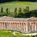 Descubre el templo de Segesta y un teatro griego con vistas al mar en Sicilia