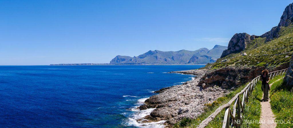 Vista de la costa al norte del monte Cofano en Sicilia.