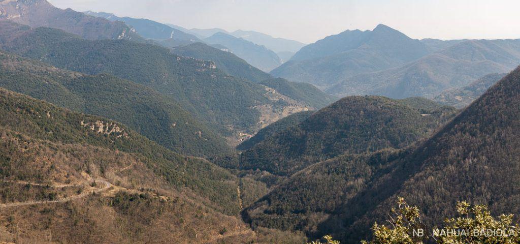 Vistas panoramicas de la Alta Garrotxa desde Rocabruna