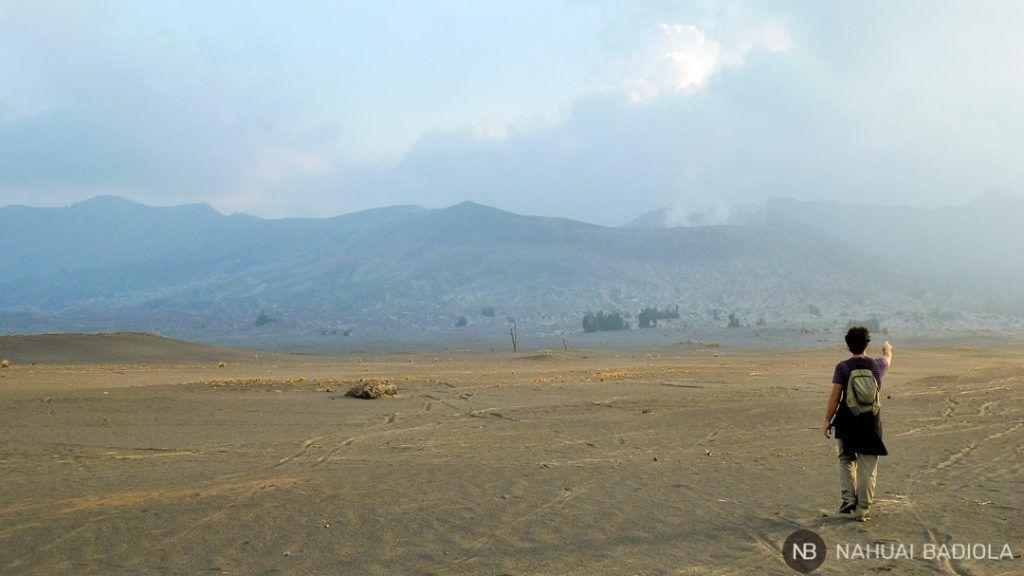 Mar de Arena que lleva al volcán Bromo, Java