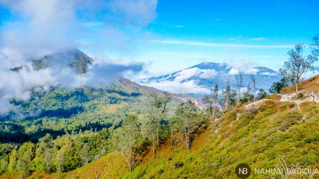 Paisaje alrededor del volcán Ijen, Indonesia