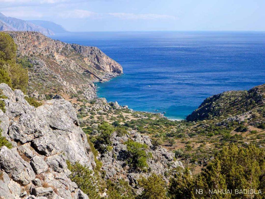 Vistas de la playa de Lissos desde el trekking E4