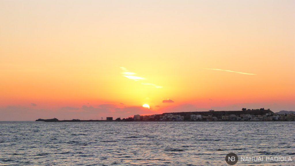 Puesta de sol sobre Paleochora, Creta