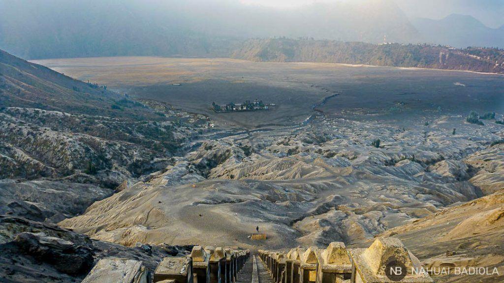 Laotian Pasir, mar de arena visto desde lo alto del volcán Bromo