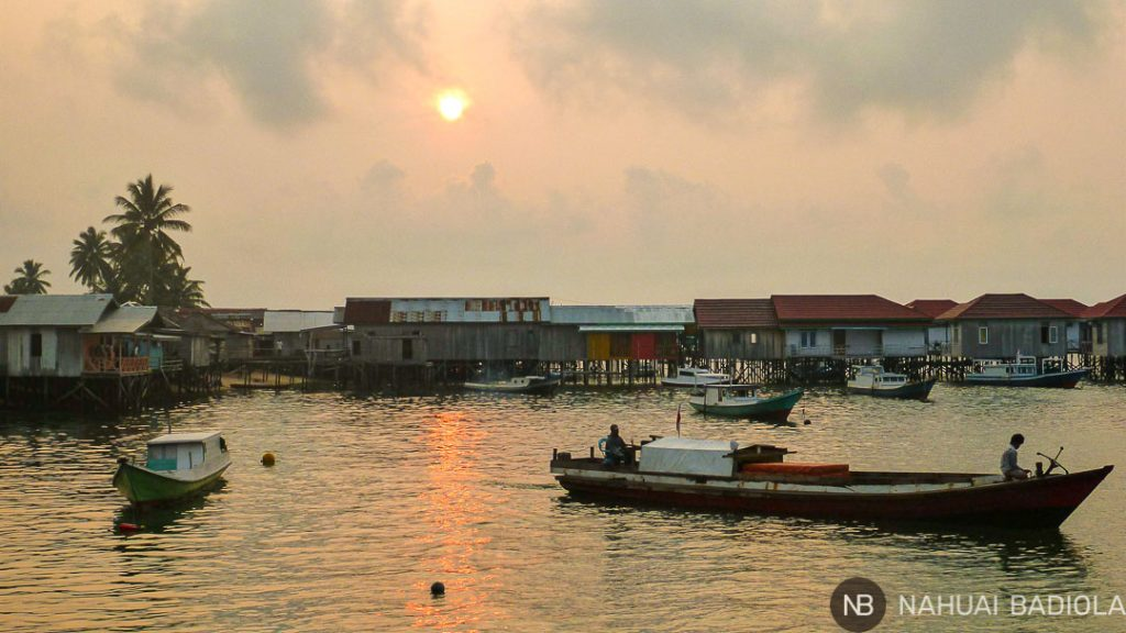 Casas sobre el mar en Pulau Derawan