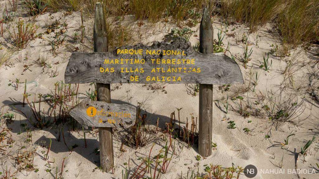 Cartel de entrada al parque nacional das Illas Atlánticas de Galicia, Islas Cíes