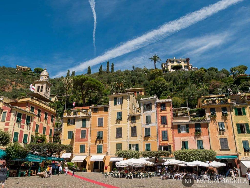 Edificios en la plaza principal de Portofino