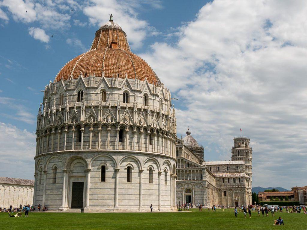 Edificios en la plaza de los milagros, Pisa