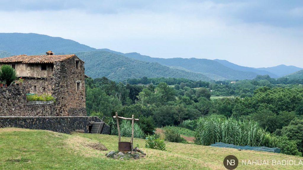 Un pozo con vistas en Santa Pau, la Garrotxa